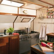 Hollandia aluksella. Kitchen.