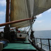 Hollandia an Deck