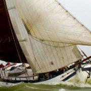 Antonia maria navegando.