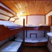 Linquenda Hut (2)