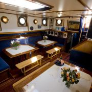 Salon za spavanje brodova Zephyr 411 (srednji)