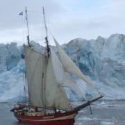Noorderlicht voor ijsberg