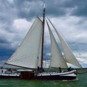 Конкурирующая лодка