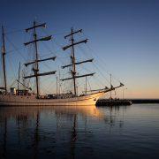 Artemis-im-Hafen