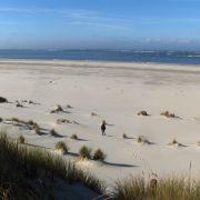 strand op waddeneilanden zeilreis