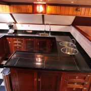 الإبحار ship_aldebaran_kitchen